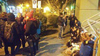 Trabajadores de CBS bloquean el tránsito en Casa de Gobierno