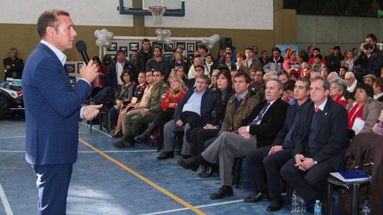 Gutiérrez festejó los 86 años de Villa La Angostura y anunció obras