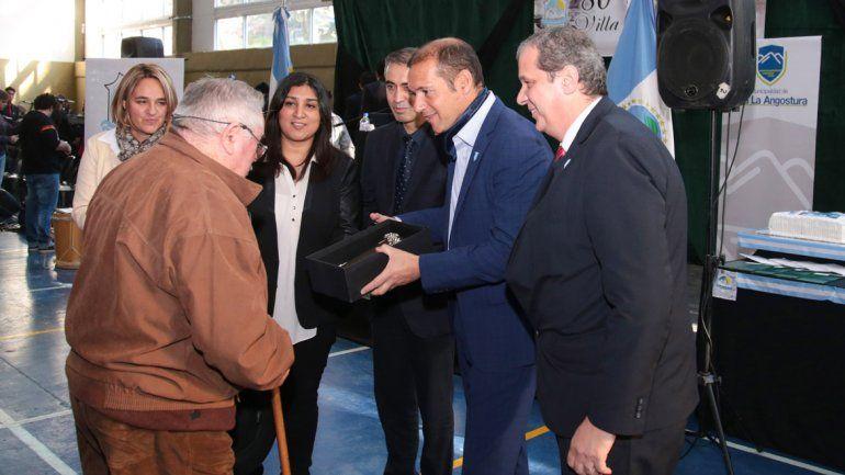 Villa La Angostura recibirá ayuda para  planes de viviendas