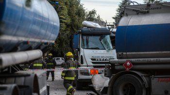 Dos heridos por la explosión de un camión cisterna