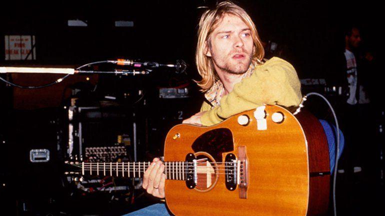 La hija de Cobain perdió una emblemática guitarra de su padre tras divorciarse
