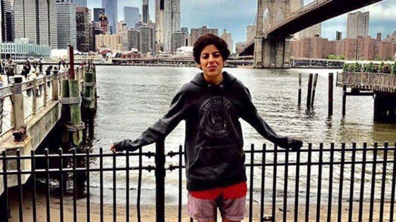 El hijo menor de Carlos Menem le declaró la guerra a su media hermana al revelar que no lo deja ver a su papá.