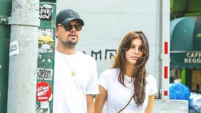 El actor y Camila Morrone fueron fotografiados en Nueva York.
