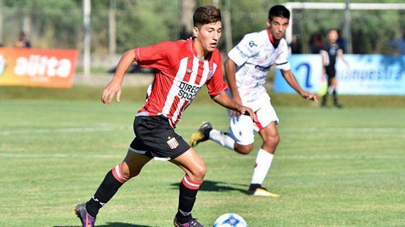 Tomás Oses dio un gran paso en su carrera al firmar contrato.