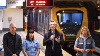 Antes de ir a Córdoba, el Presidente inauguró una estación de subte.