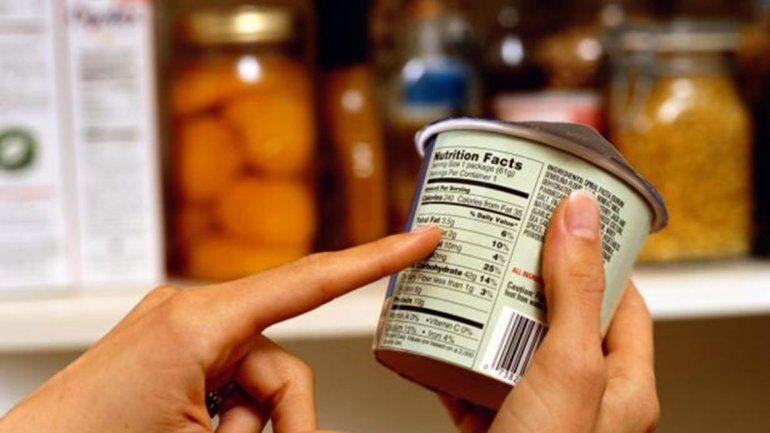 En las etiquetas nutricionales se ve la carga de sodio que tiene el producto.