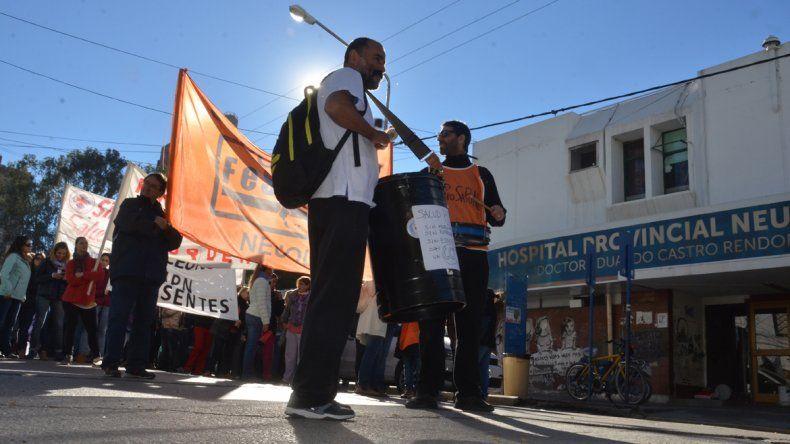 Médicos se movilizan por el centro y paran toda la semana