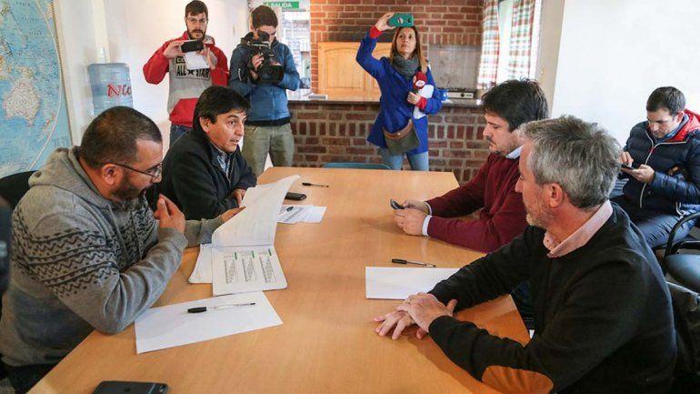 Provincia ofertó extender el acuerdo salarial por IPC a los gremios estatales