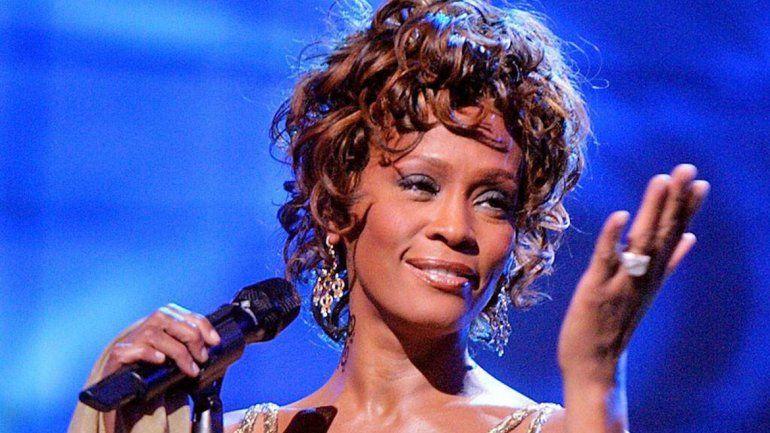 Whitney Houston sufrió abusos cuando era niña