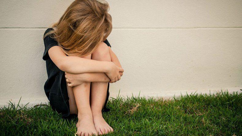 Detienen a padres de nena violada y embarazada
