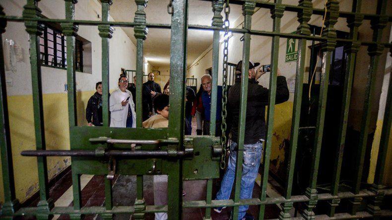 Una puerta a la historia: comenzaron las visitas guiadas al predio de la ex cárcel U9