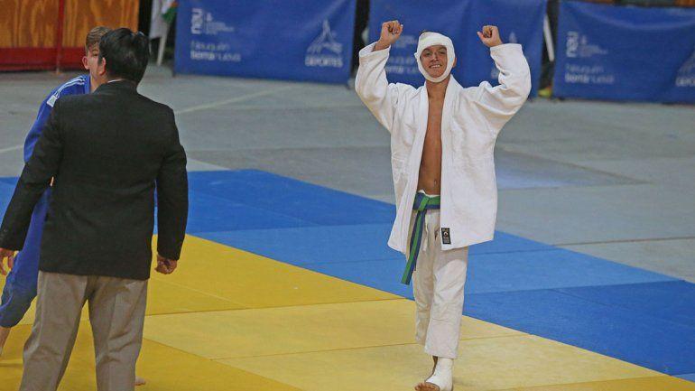 Días antes de llevarse el bronce, Joaquín Troncoso tuvo un accidente de motos. Igual peleó como un gladiador.