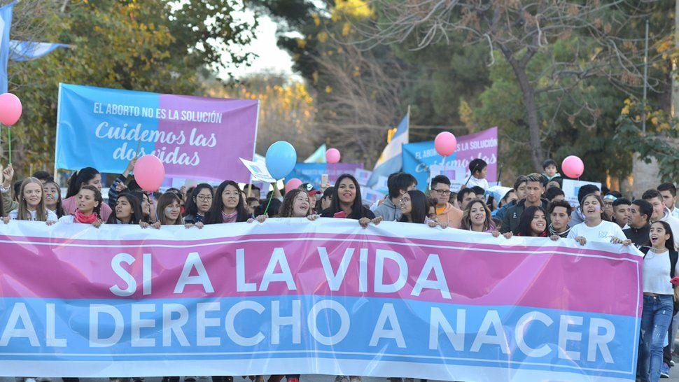 Como en otros puntos del país, una multitud marchó en rechazo a legalizar el aborto