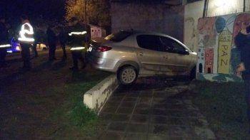 La efectivo Alicia Flores, de 31 años, manejaba ebria su vehículo.