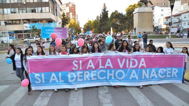 Fue masiva la marcha contra el aborto en la ciudad