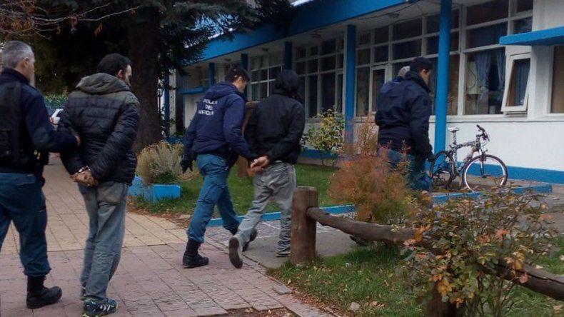 Ahora, la banda que robaba cabañas atacó un taller de chapa y pintura