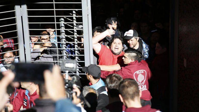 <p>Segovia detenido durante la protesta</p>