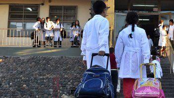 Se anotaron 220 maestros para cubrir a los docentes de paro