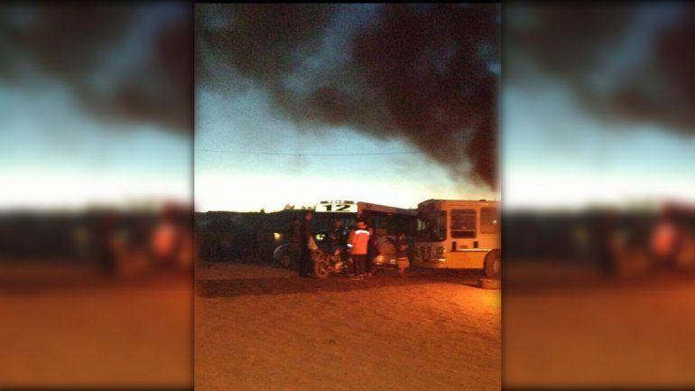 Vecinos reclaman la obra de luz para Valentina Norte Rural