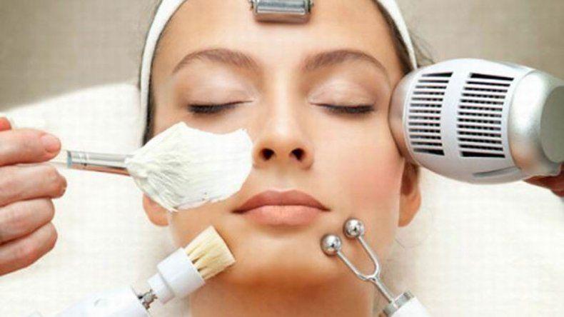Quieren regular la actividad de las cosmetólogas para garantizar la salud de los clientes