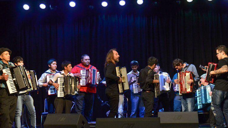 Los acordeonistas celebraron su primer encuentro provincial con el Chango Spasiuk