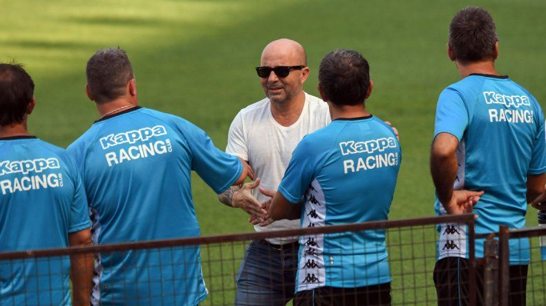 El técnico fue varias veces a ver a los jugadores de Racing Lautaro y Centurión