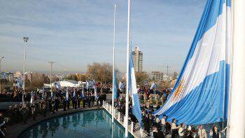 quiroga y prezzoli encabezaron el acto por la revolucion de mayo