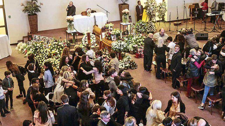 Conmoción en Chile por el suicidio de una adolescente