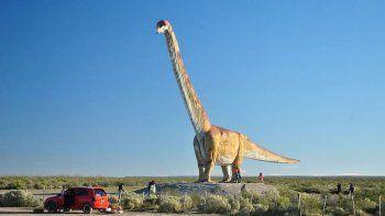 el dinosaurio mas grande del mundo fue de chubut a chicago