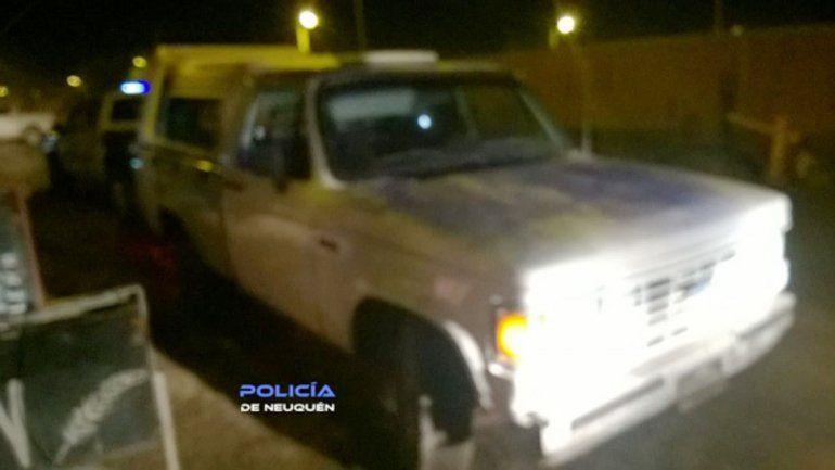 Le robaron la camioneta en Cipolletti, se quedó sin combustible y la abandonaron en Valentina Sur