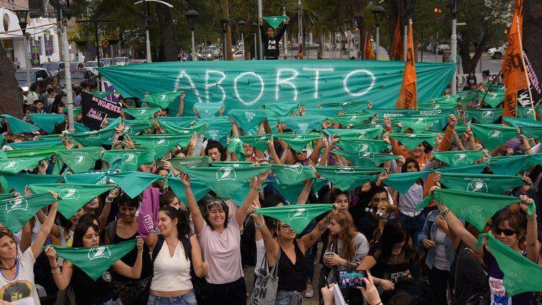 Neuquén se suma al pañuelazo federal por el aborto legal