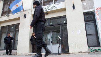 grave: lo acusan de violar a la hija de una policia neuquina