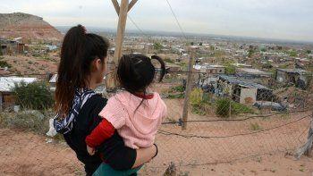 Seis mil familias reciben asistencia social para sobrevivir