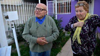 robaron los ahorros de 20 anos a una pareja de abuelos