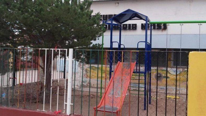 Plaza Huincul: padres denunciaron al maestro de sus hijos por maltratador y obsceno
