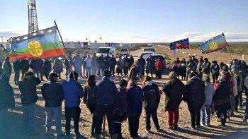 Loma La Lata: los mapuches desoyen la orden judicial