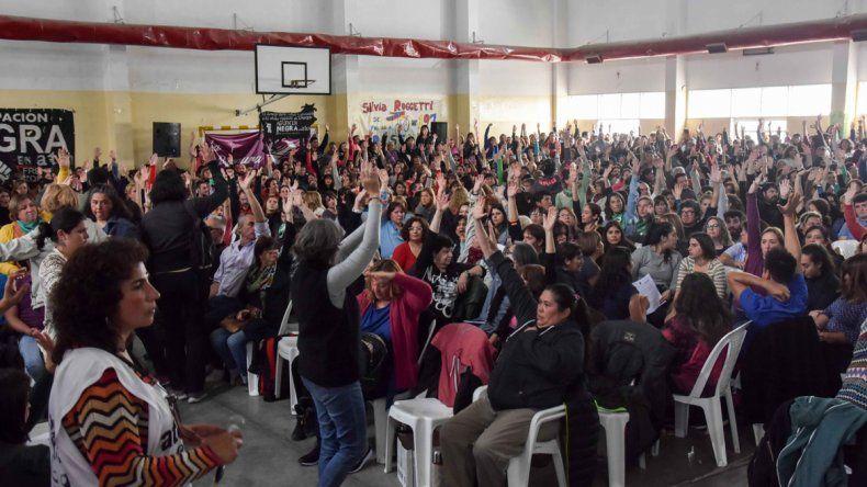 Las asambleas de ATEN aceptaron la oferta salarial