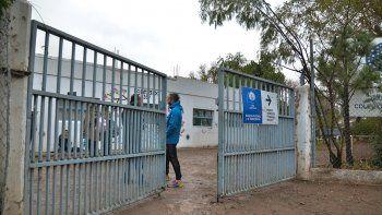 Polémica por el despido de 4 maestros