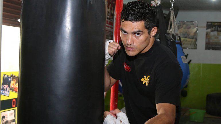 Mauro Godoy viaja hoy hacia Canadá y combatirá el sábado.