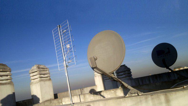 El servicio de televisión satelital es uno de los incluidos.