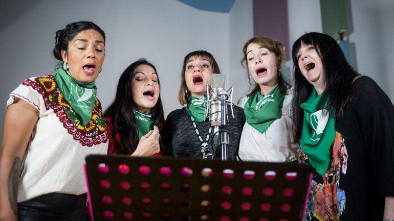 Músicas y artistas reversionaron Bella Ciao por el aborto legal