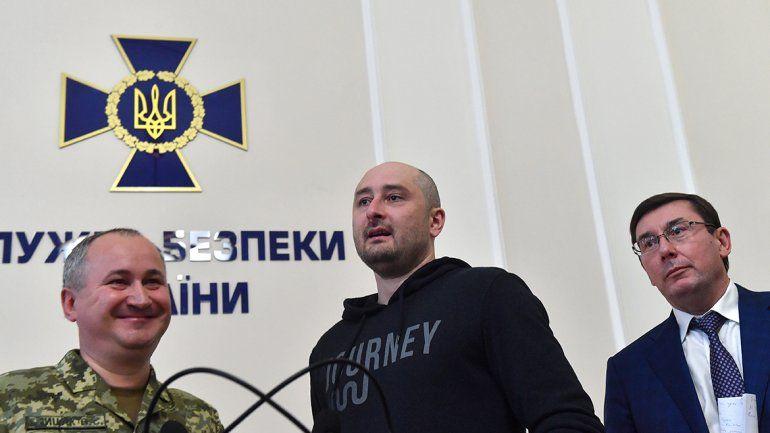 Arkadi Babtchenko resucitó en la TV y estalló el escándalo con Rusia.
