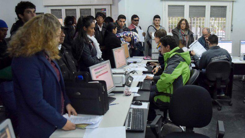Se radican 3 venezolanos por día en la provincia