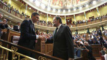 Lo sacaron a Rajoy y el socialista Sánchez es el nuevo presidente español