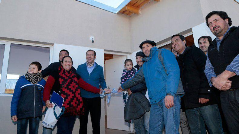 Cinco familias de Paso Aguerre ya tienen sus casas