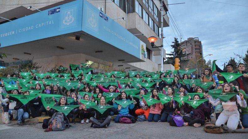 En Neuquén habrá triple pañuelazo por al aborto legal