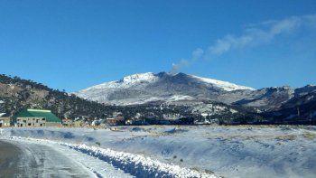 Bajó el nivel de ceniza del volcán Copahue