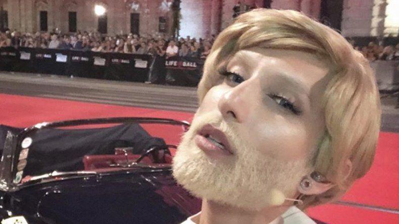Wurst cambió su oscura cabellera por un rubio platinado.