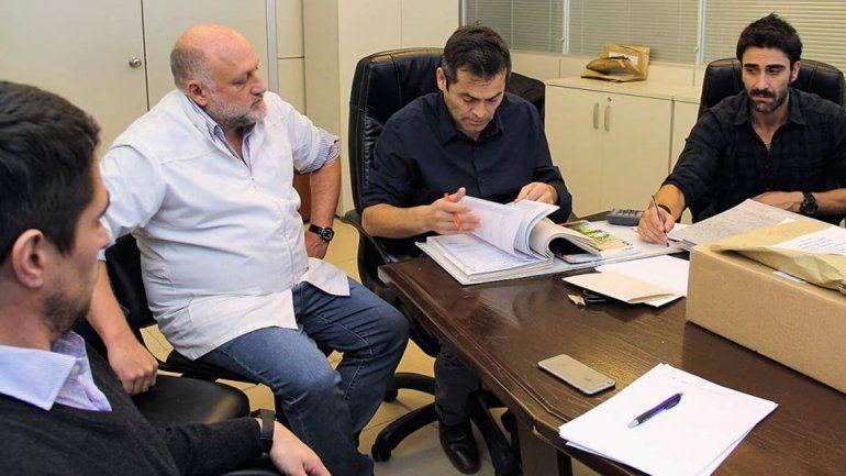 Tres ofertas para comprar un equipo oncológico para el hospital Castro Rendón