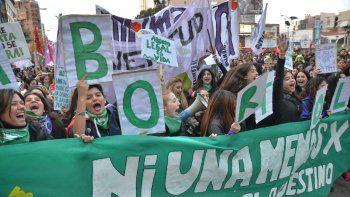 Ni Una Menos fue un grito juvenil con pañuelo verde